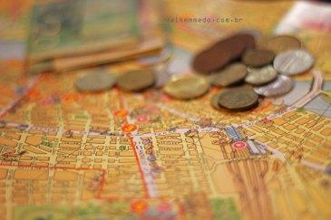Mapas e moedas