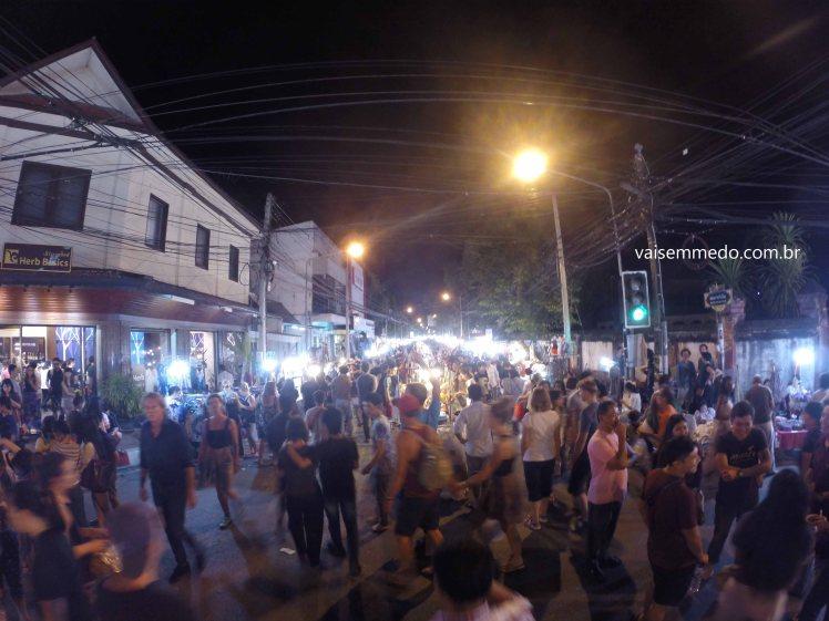 Sunday Night Market: vale a pena caminhar durante horas!