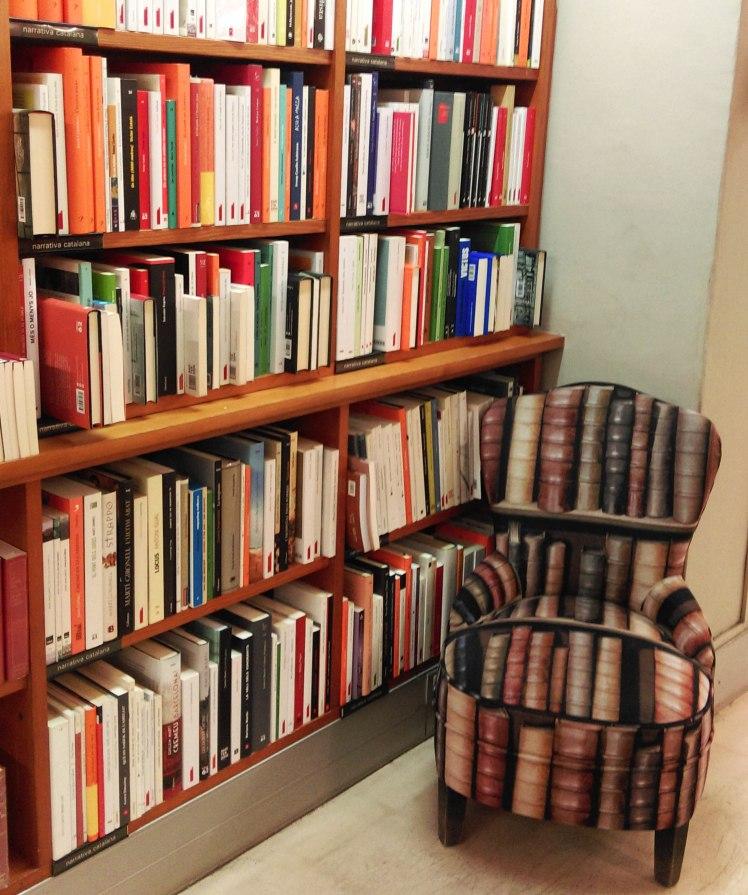 Laie, uma livraria com cafeteria.